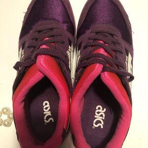 Asics Shoes - ASICS gel lyte size 5 1/2
